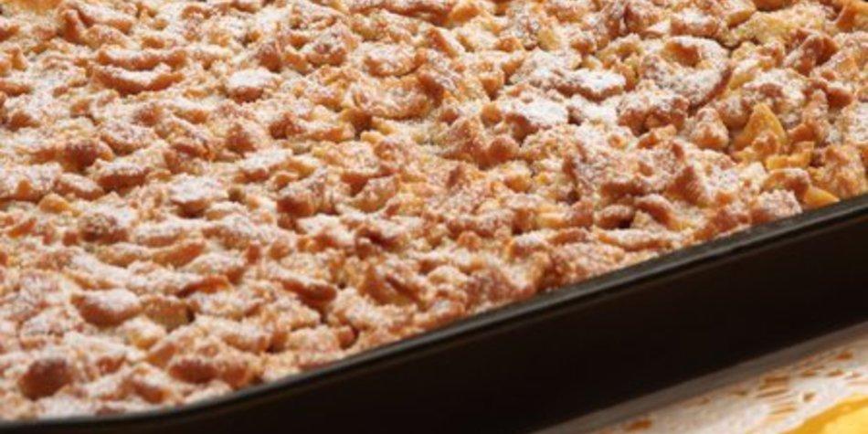 Apfelkuchen mit Streusel und Pudding