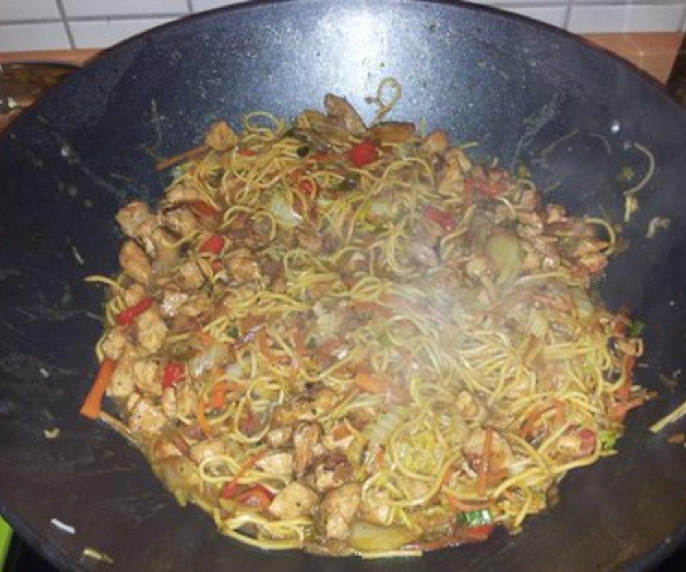 Chinesische Nudeln aus dem Wok