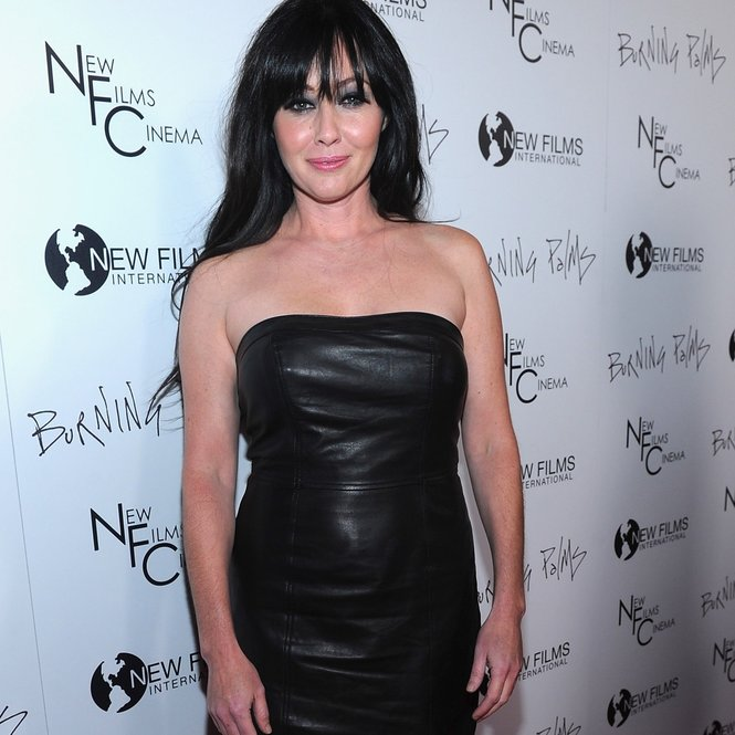 "LOS ANGELES, CA - JANUARY 12: Actress Shannen Doherty arrives to the premiere of New Films Cinema's ""Burning Palms"" on January 12, 2011 in Los Angeles, California. (Photo by Alberto E. Rodriguez/Getty Images)"
