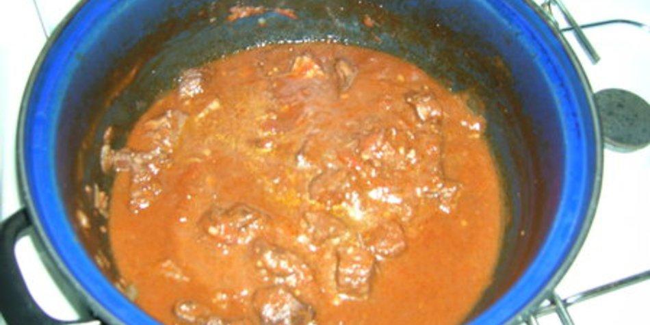 Rindergulasch kochen
