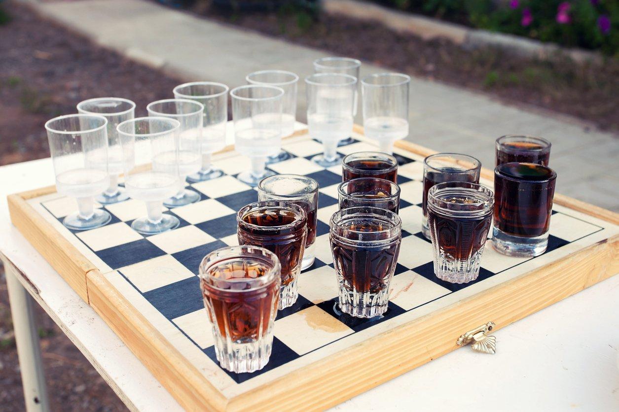 Schnapsschach als Trinkspiel zu zweit spielen