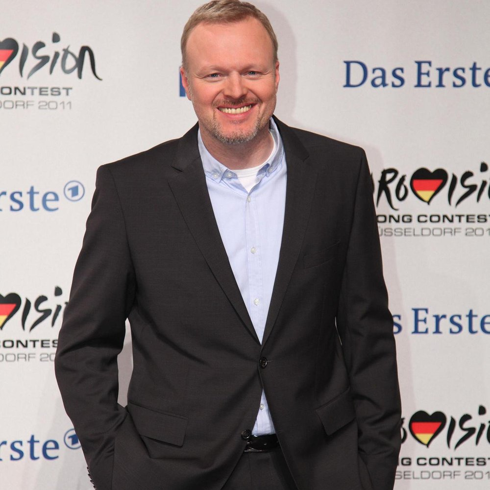 Stefan Raab präsentiert die 2000. Ausgabe von TV Total