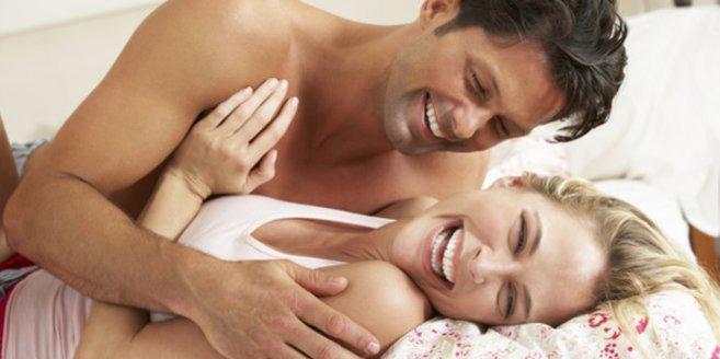 Geschlechtskrankheiten: Mann und Frau im Bett.
