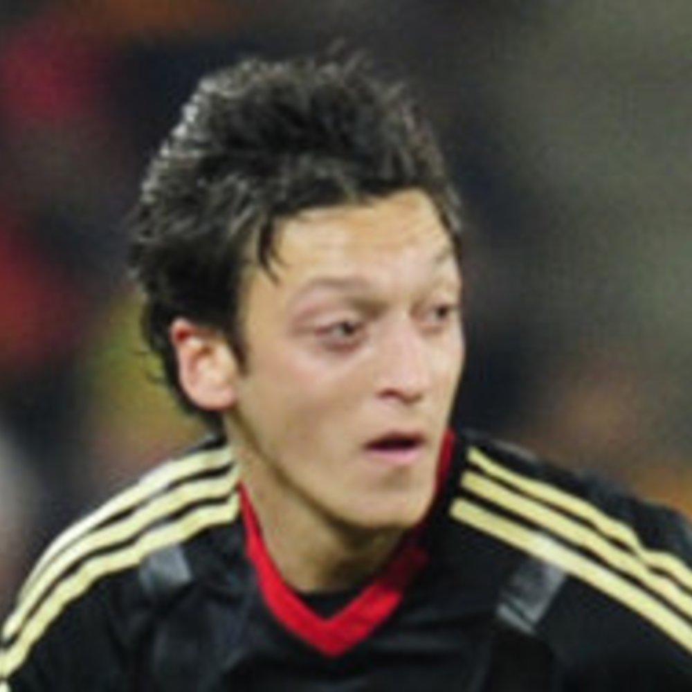 Mesut Özil: Seine Freundin konvertierte zum Islam