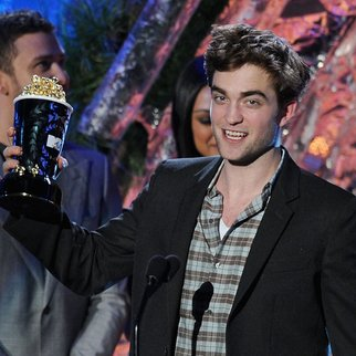 Robert Pattinson: Jason Bateman ist neidisch!