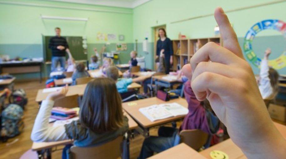 """Erziehungs-Experte: """"Etwa ab der dritten Klasse sollten Kinder beispielsweise die Lehrer siezen."""