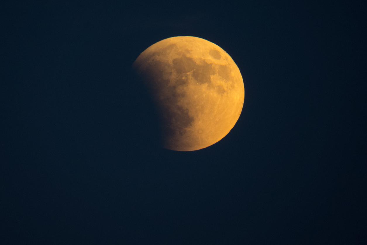Mondfinsternis am Montag: Zu welcher Uhrzeit ihr das Spektakel sehen könnt