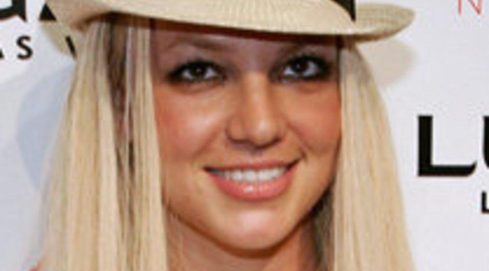 Britney nimmt Pillen