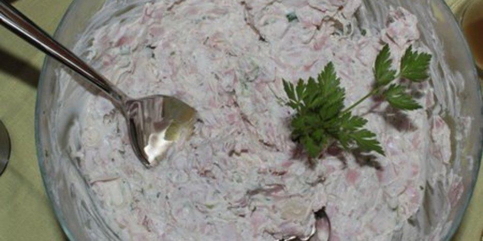 Mascarponecreme mit Frühlingszwiebeln und Kochschinken