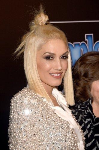Gwen Stefani mit Halbzopf