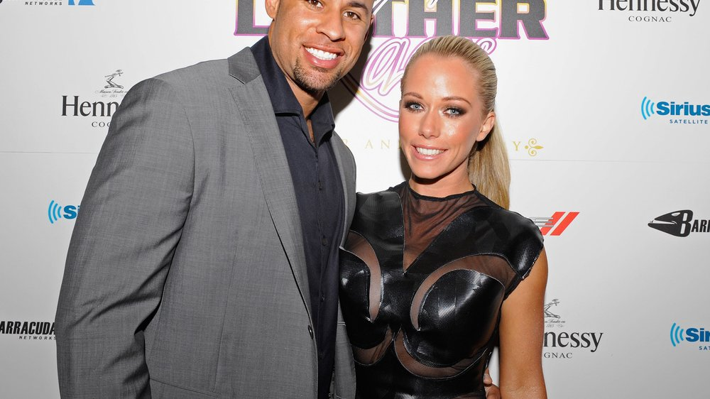 Kendra Wilkinson wägt alle Optionen ab