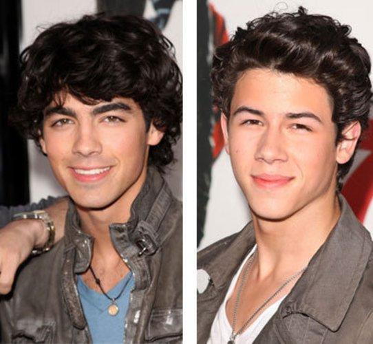 Die Musiker Joe und Nick Jonas