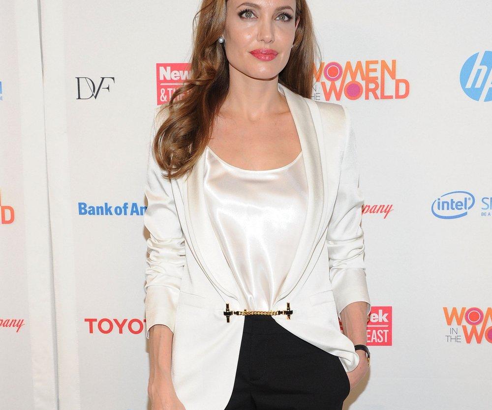 Angelina Jolie: Halloween im Morticia Addams-Kostüm?