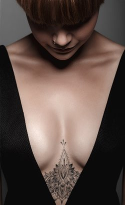 Diese Tattoos Unter Der Brust Sind So Schon Desired De