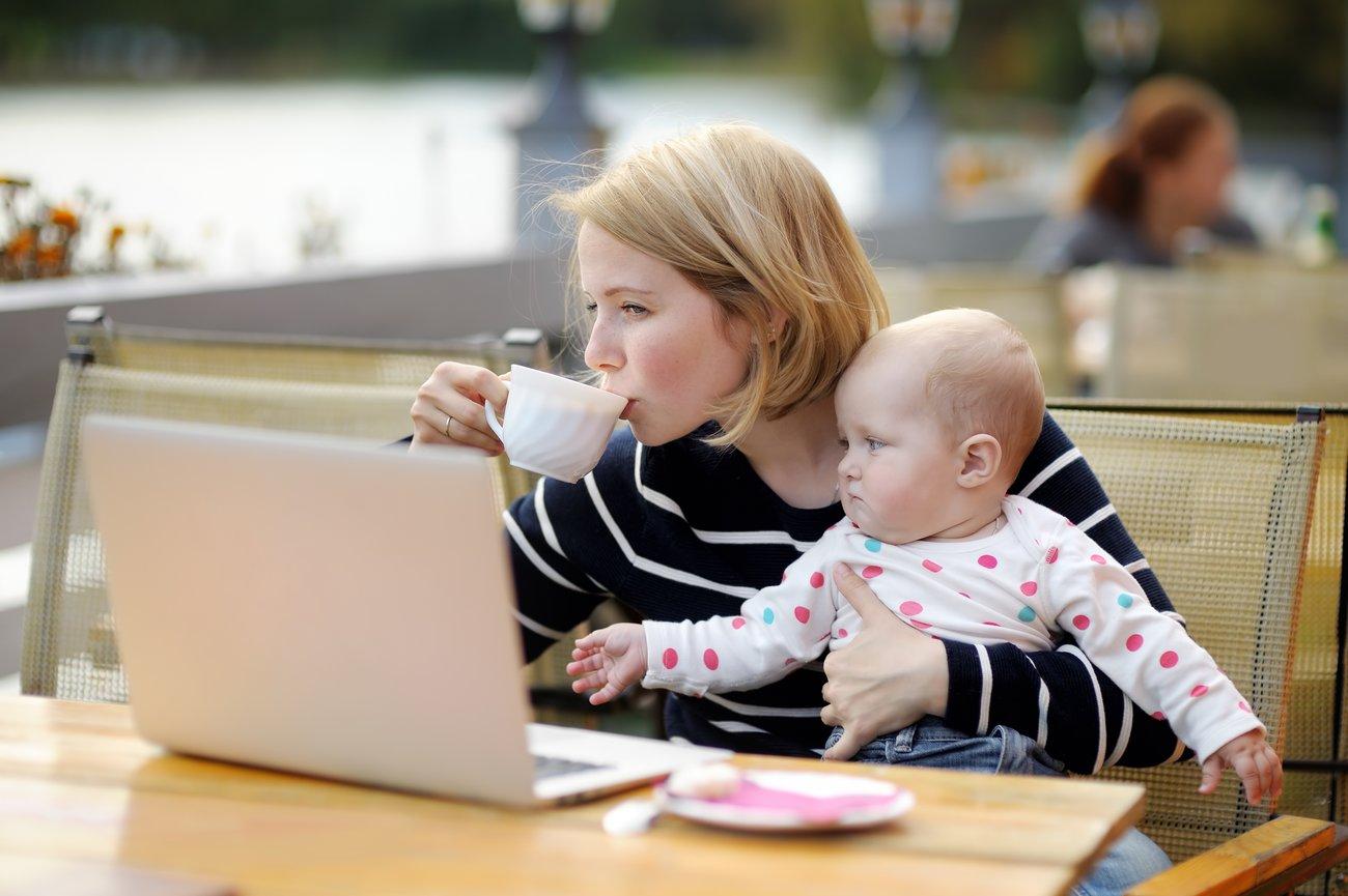 Eine Frau sollte sich ja nicht zu Hause einigeln, nur weil sie jetzt ein Kind hat.