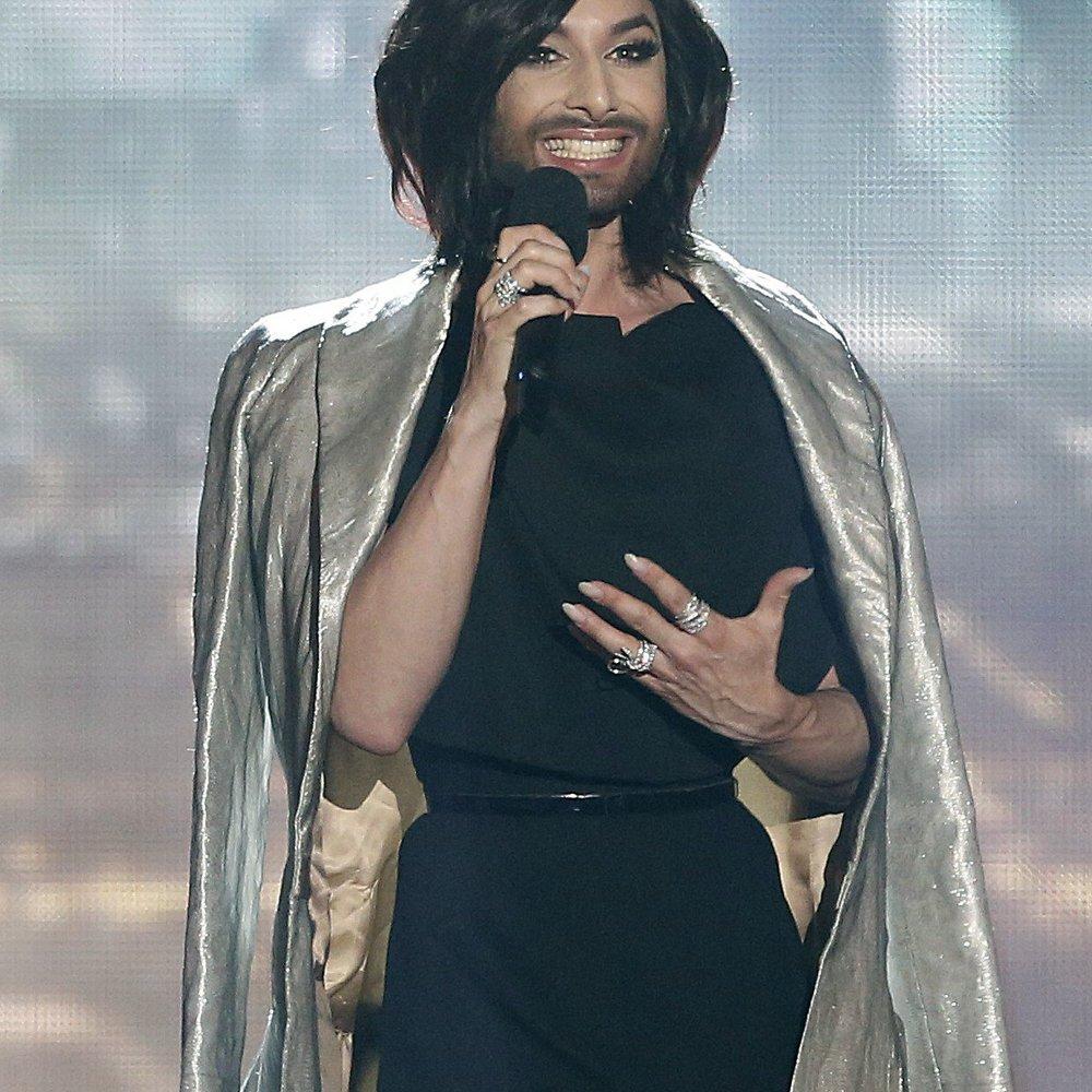 "Conchita Wurst: Oben ohne auf dem ""Rolling Stone"""