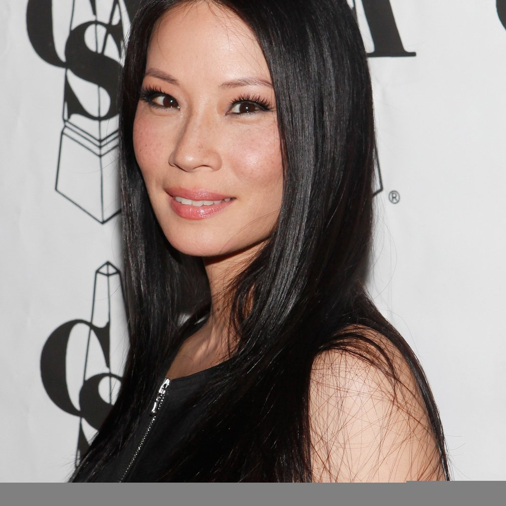 Lucy Liu trägt kugelsichere Weste