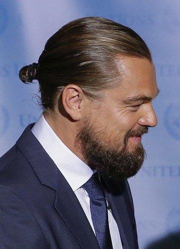 Leonardo DiCaprio mit Zopf