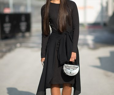 Schwarzes Outfit Aufpeppen Unser Style Guide Desired De