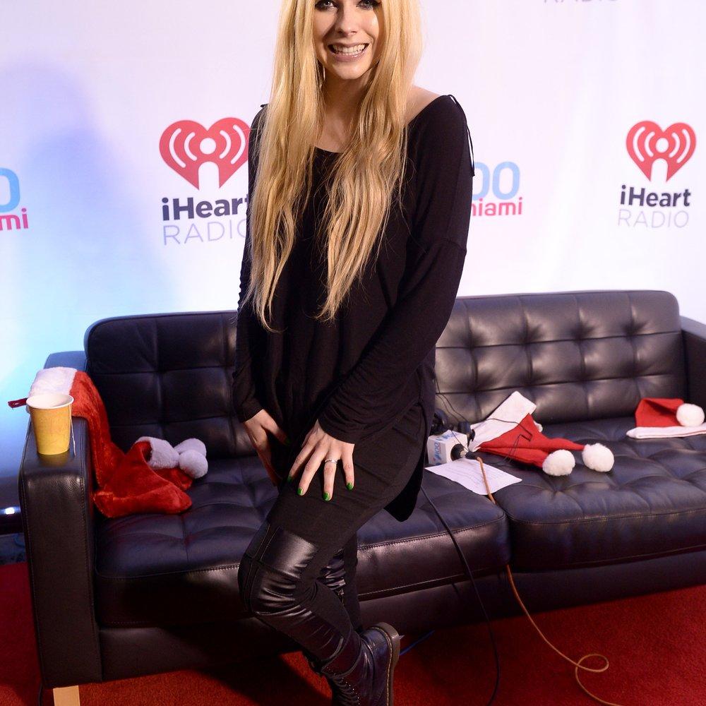 Avril Lavigne spricht unter Tränen über ihre Krankheit