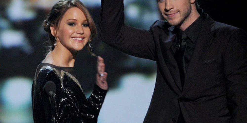 Jennifer Lawrence und Liam Hemsworth bedanken sich bei den Fans.