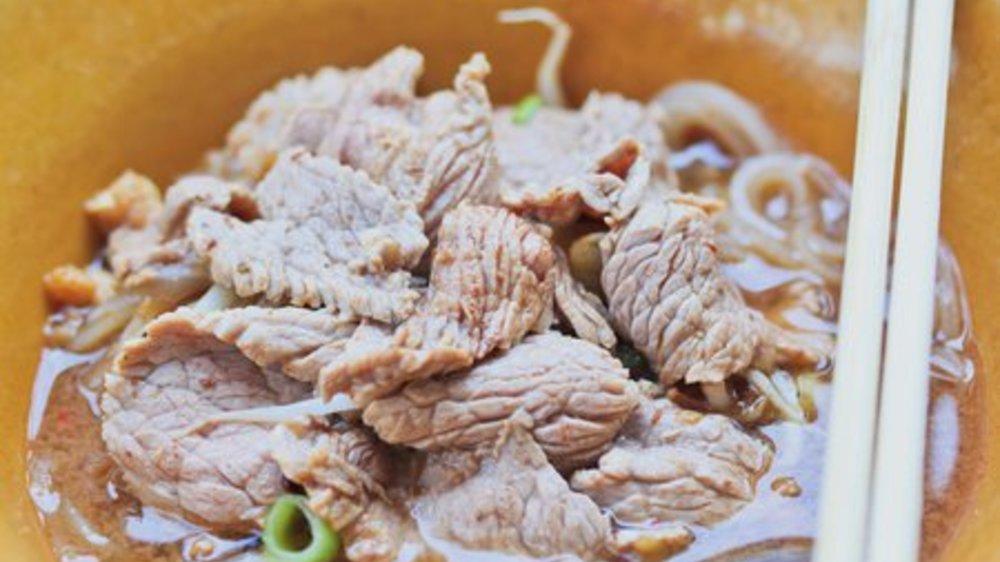 Nudelsuppe mit Rindfleisch