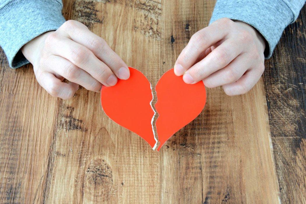 Image result for 10. Lerne, wie du mit Herzschmerz umgehen kannst!