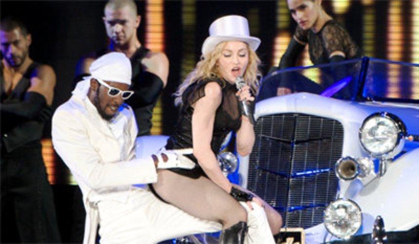 Madonna hat aufwändige Show.