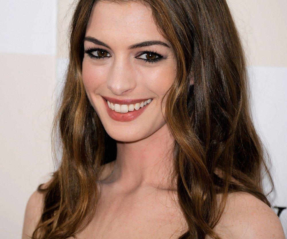 Anne Hathaway liebt Scrabble