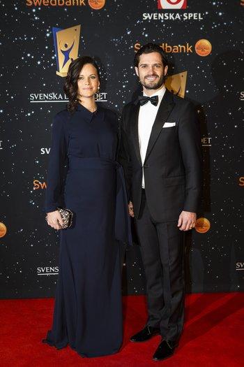 Sofia Hellqvist und Carl Philip von Schweden auf dem roten Teppic