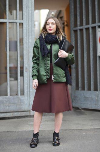 Eine Besucherin der Mailänder Modewoche