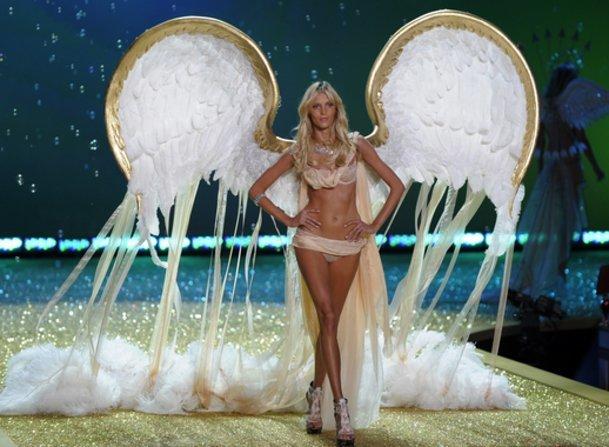 Victoria`s Secret-Show 2010 mit Anja Rubik