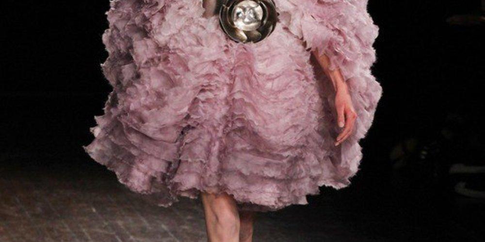 Alexander McQueen: Paris Fashion Week