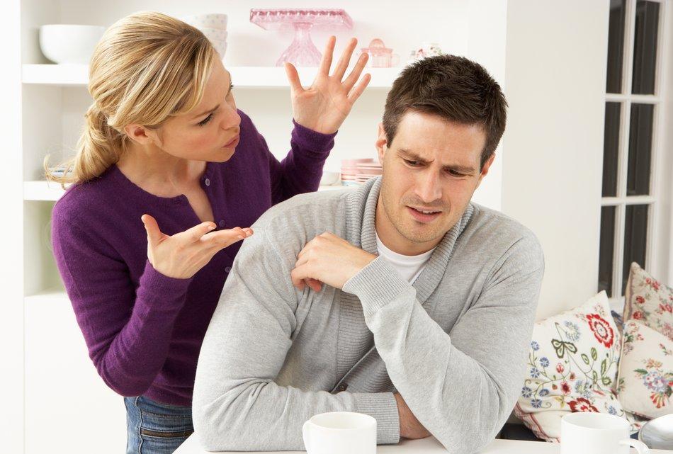 So erkennst du an seiner Körpersprache, ob er fremdgeht