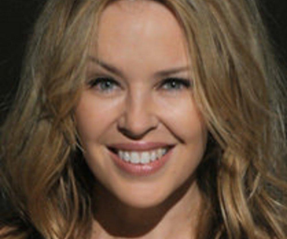 Kylie Minogue: Federweicher Auftritt