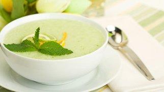 Kühle Melonensuppe