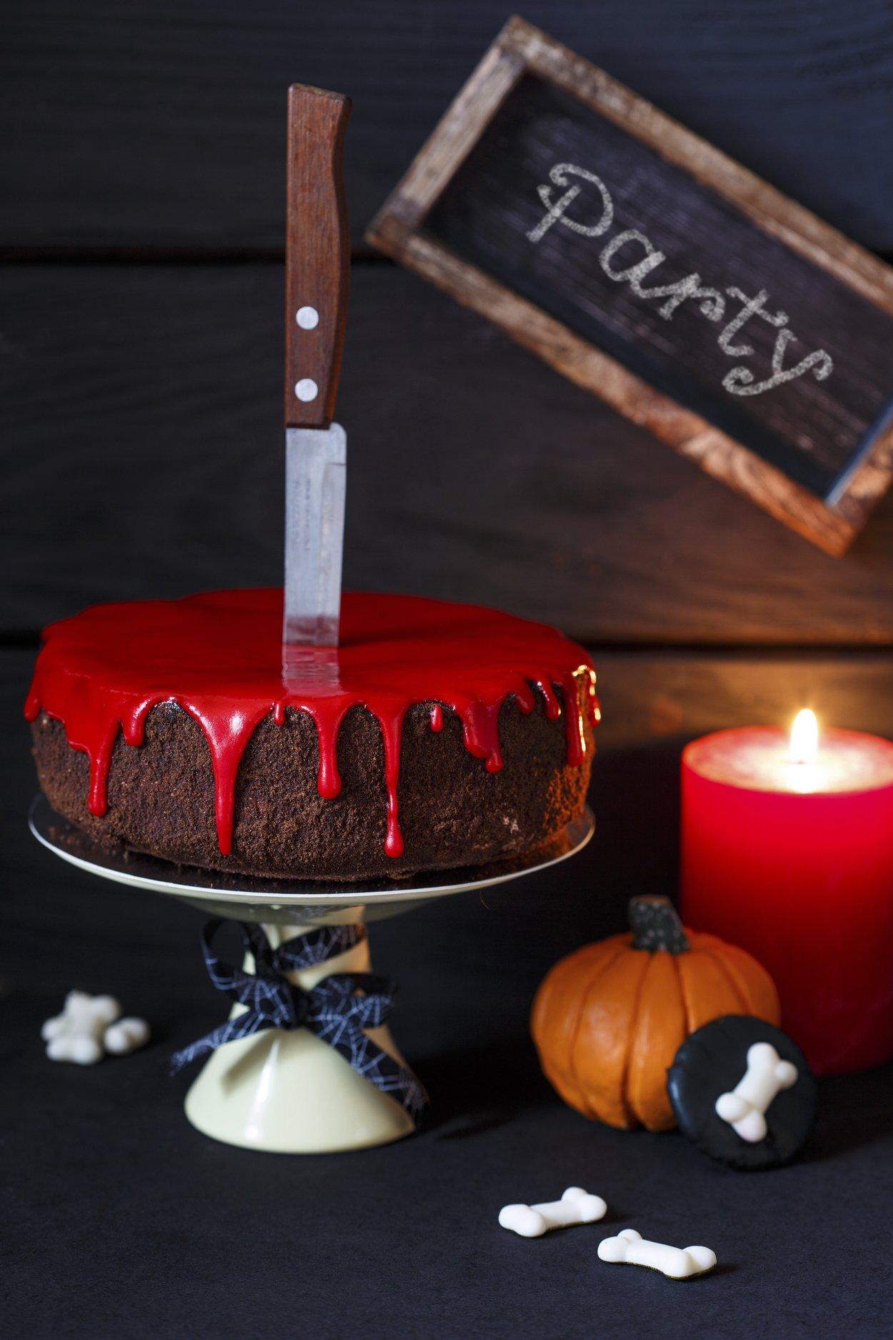 Blutender Halloween-Kuchen