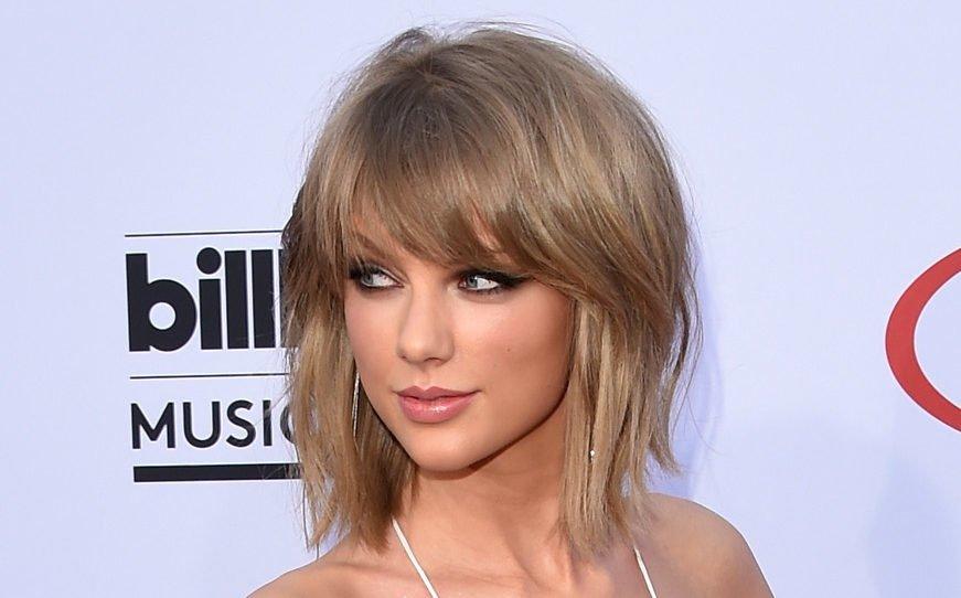 Taylor Swift aschblond