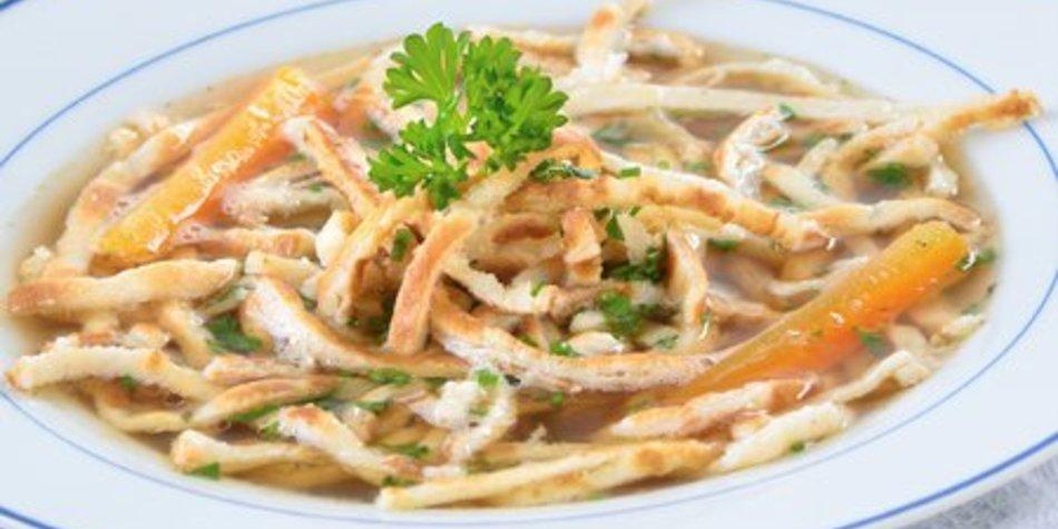 Flädlesuppe mit Gemüse