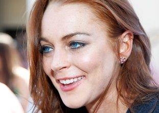 Lindsay Lohan mit blauen Kontaktlinsen