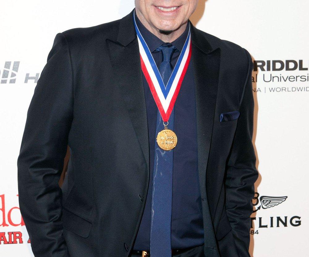John Travolta als Bösewicht im neuen 007-Streifen?