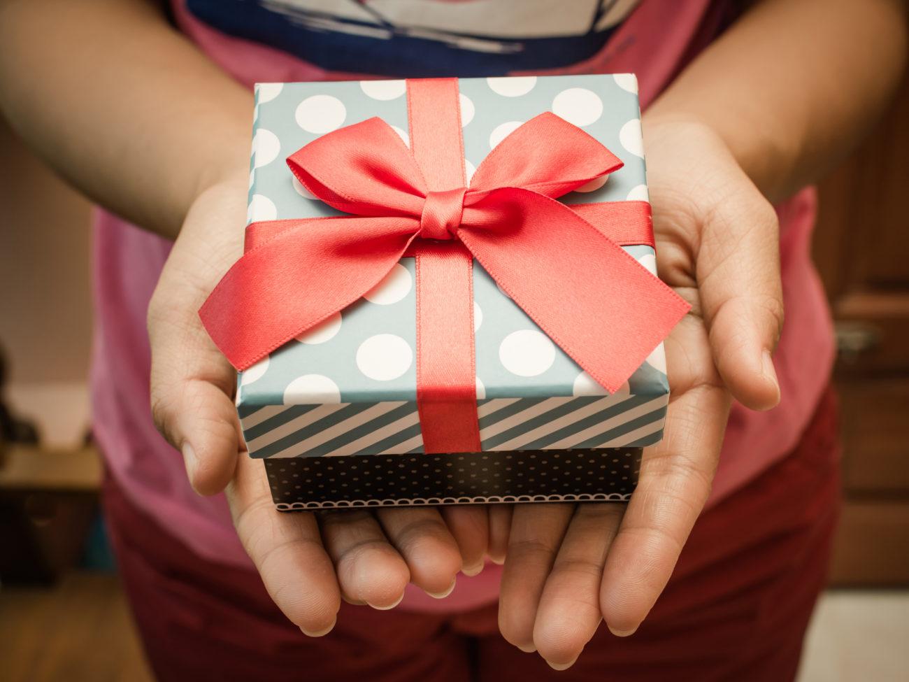 64 Ideen Tolle Geschenke Zum 18 Geburtstag Desiredde