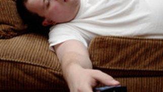 Warum schlaft Ihr ständig vor dem Fernseher ein?