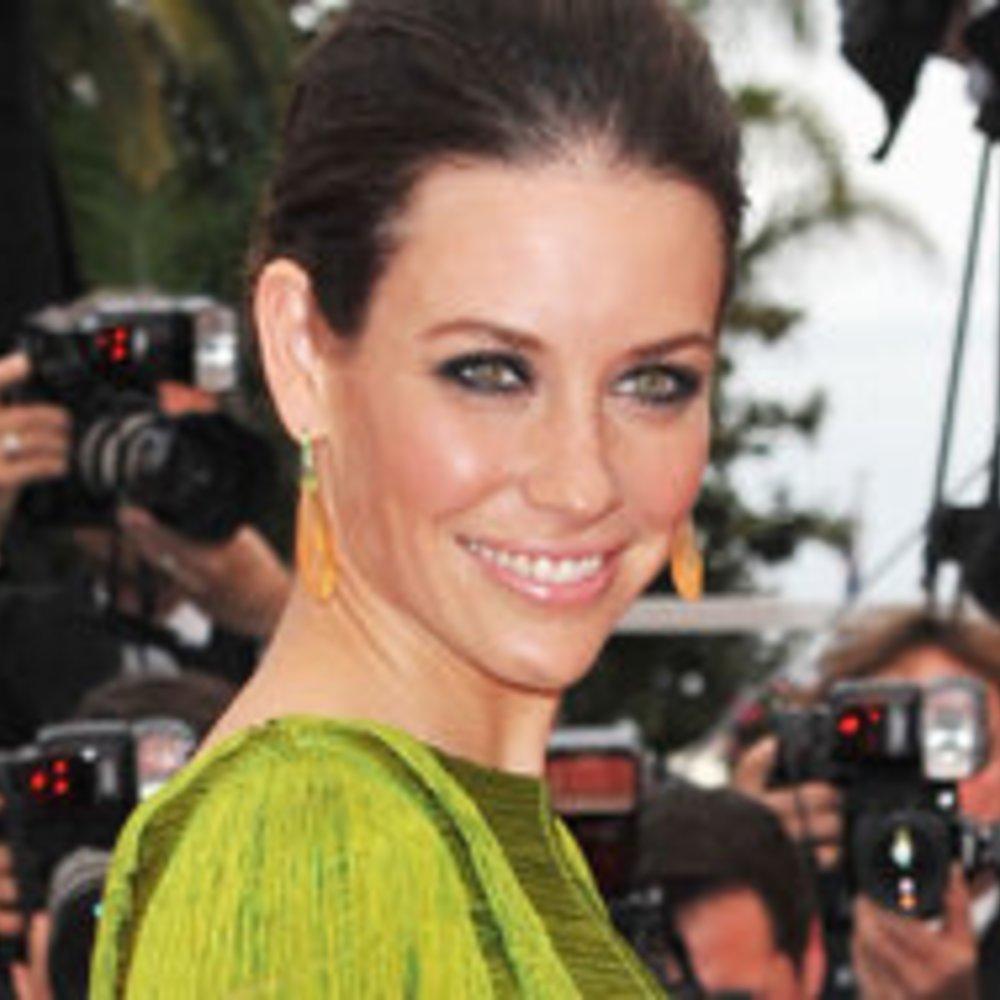 Lost-Star Evangeline Lilly: Kleiner Baby-Bauch?