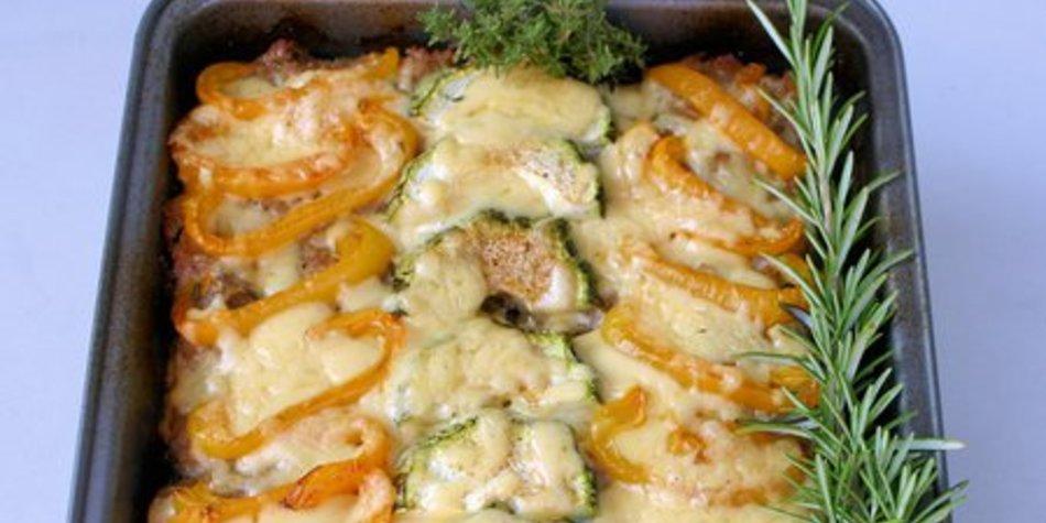 Zucchini-Hack-Auflauf mit Süßkartoffeln und Frühlingskäse