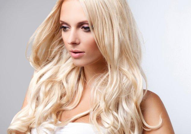Was Du beim Haare aufhellen beachten solltest