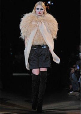 Givenchy auf den Haute Couture Schauen