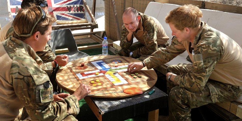 """Prinz Harry war in Afghanistan die """"Tee-Schlampe"""""""