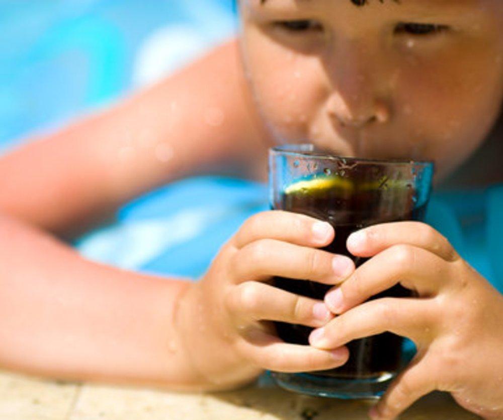 Für Kinder ist Cola schädlich