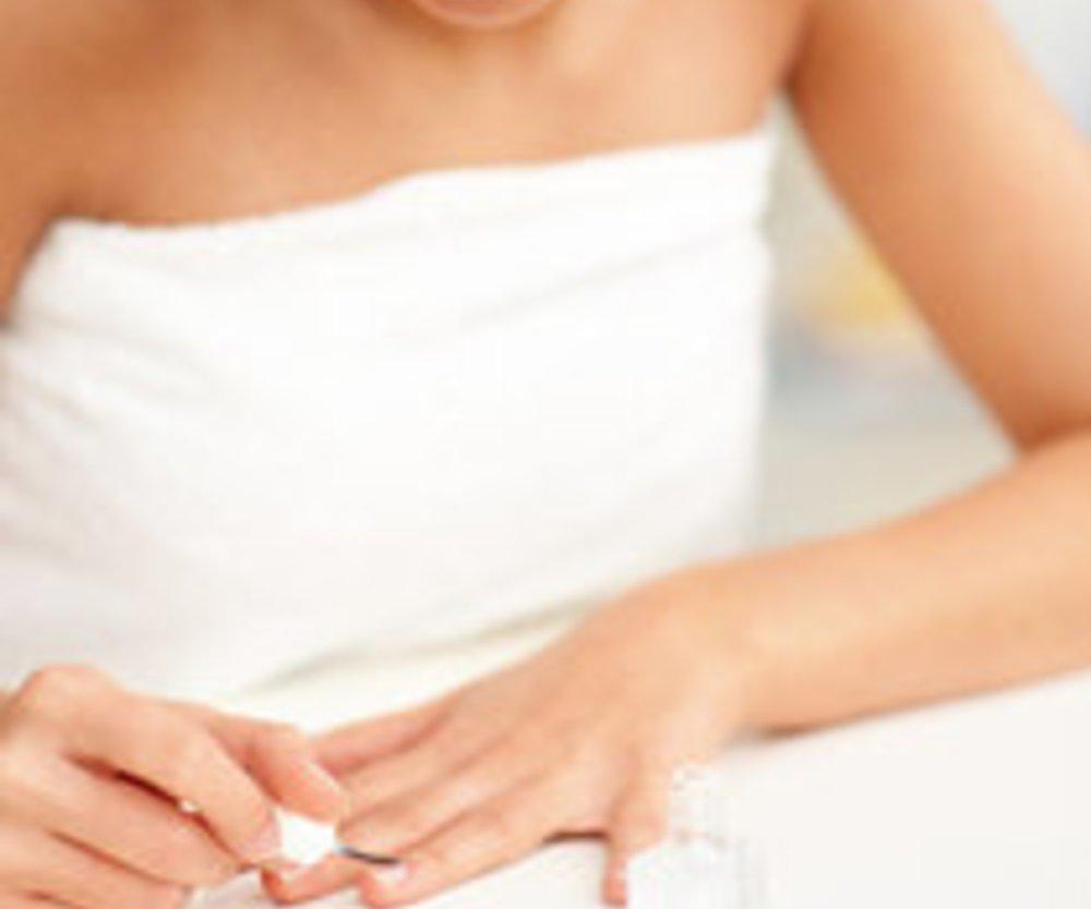 Fingernägel: Nagellack perfekt auftragen